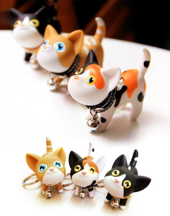 Cat-Keychain-with-collar-and-bell-01